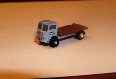 P&D Marsh N Gauge n Scale X30 Morris Flatbed lorry (intro 1948) PAINTED