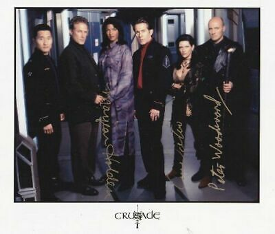 BABYLON 5 CRUSADE CAST Peter Woodward, Carrie Dobro, Marjean Holden  hand signed