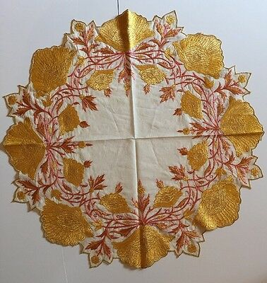 """VTG ART DECO? Exquisite Hand-Embroidered Ctrpiece Doily 20"""" In Diameter.ON SALE!"""