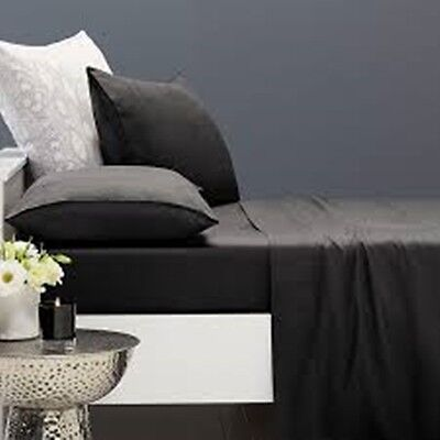 Plain Fitted Bedsheets In Single, Double King & Super King Size 200 Thread Count