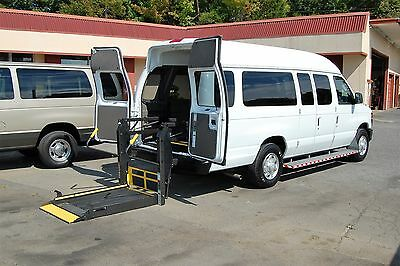 2013 Ford E-Series Van 2 Pos. VERY NICE HANDICAP ACCESSIBLE WHEELCHAIR LIFT EQUIPPED VAN....UNIT# 2138FT