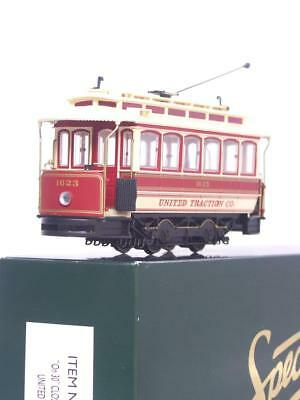 """BACHMANN SPECTRUM 25128 -16.5mm On30 TRAM - """"UNITED TRACTION"""" CLOSED STREET CAR"""