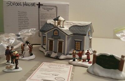 Hawthorne Norman Rockwell 1995 THE SCHOOLHOUSE Freedom Series Lighted Village