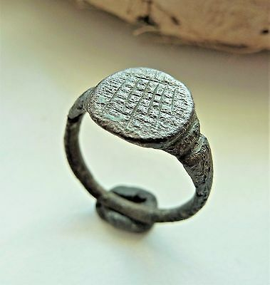 Medieval bronze ring (375).