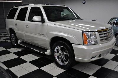 2005 Cadillac Escalade ONLY 74K MILES - ONE OWNER - FLORIDA RUST FREE !! CERTIFIED CARFAX - AMAZING - CONDITION - MOST DESIRABLE COLORS !!