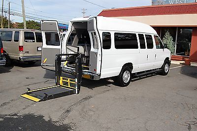 2014 Ford E-Series Van 2 Pos. VERY NICE HANDICAP ACCESSIBLE WHEELCHAIR LIFT EQUIPPED VAN....UNIT# 2088FT