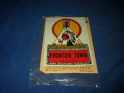 FRONTIER TOWN-NORTH HUDSON, NY-TEEPEE-VINTAGE 1960s ERA UNUSED WATER DECAL