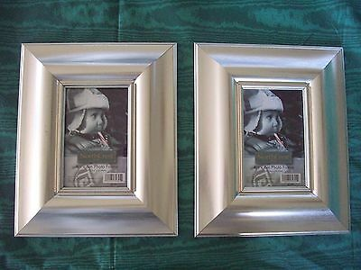 2 FRAMES   SILVER  PHOTO / PICTURE Holds 4 X 6 photo Thick Frame Lot of 2  NEW