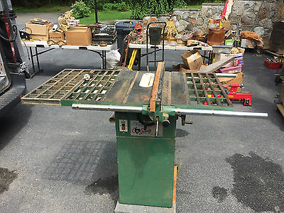 """G1022 Grizzly 10"""" Table Saw"""