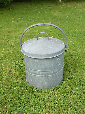 Vintage galvanized bin/container with lid + handle. Ideal planter. Watertight.