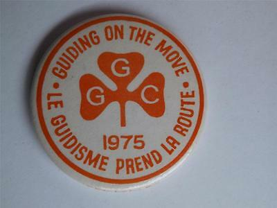 Girl Guide Canada Guiding On The Move 1975 Button Vcitage Collector Patch