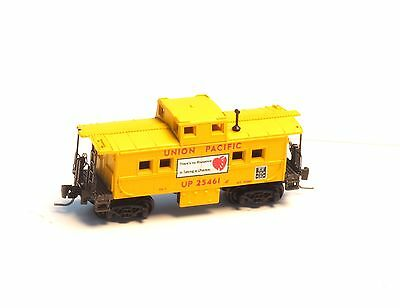 Micro-Trains MTL Z-Scale Center Cupola Caboose Union Pacific UP 24561