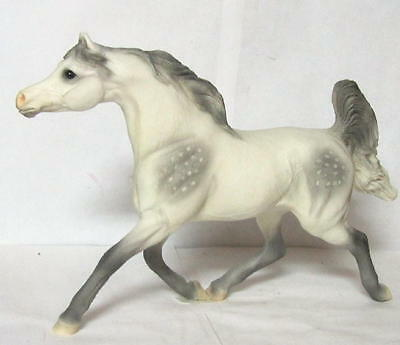 United Design Stone Critter Arabian Stallion Gray Cc-437