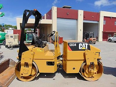 """2009 Cat Cb34 Vibratory Tandem 51"""" Drums Compactor Roller With Water System"""