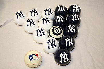 NEW Officially Licensed MLB New York Yankees Billiard Pool Cue Ball Set