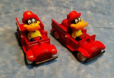 Lot Looney Tunes ERTL Daffy Duck in Fire truck 1988 #1149 and #2588 on bottom