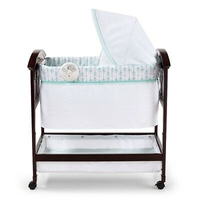 Summer Infant Classic Comfort Wood Bassinet - On Point