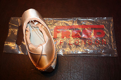 Pointe Shoes  Freed Of London Wineglass Maker 5 1/2 X