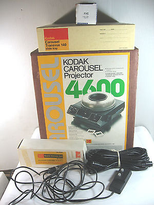 Kodak Carousel 4600 Projector w/lens, cord, remote, tray, extra bulb, Working