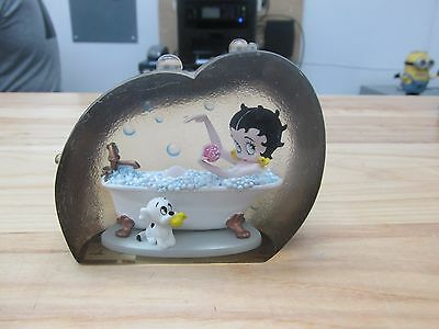 Betty Boop Bathtub Lucite Paperweight 2007 Kings Feature Westland