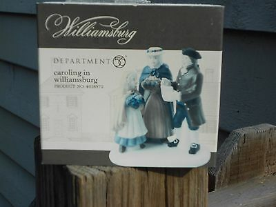 DEPT 56 WILLIAMSBURG VILLAGE Accessory CAROLING IN WILLIAMSBURG NIB