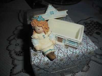 Nib~Vintage Down Petticoat Lane Girl With Doll House Covered Box~ 1999