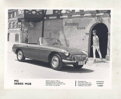 1965 ? MG MGB ORIGINAL Factory Photograph wy4189