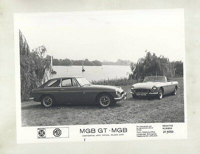 1972 MG MGB & MGB GT ORIGINAL Factory Photograph wy4238
