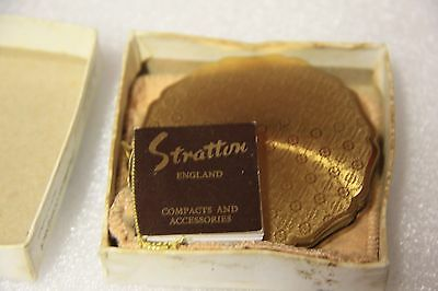 Stratton England vintage compact make-up case vintage vanity compact has box
