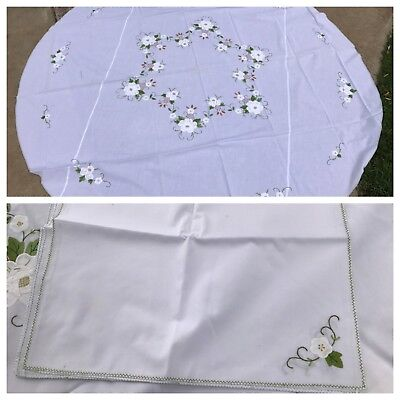 Vintage Nwt White & Green Floral Appliqué Embroidery Napkin & Tablecloth Set