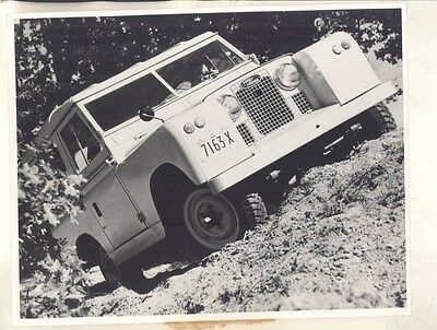 1959 Land Rover 88 Station Wagon ORIGINAL Factory Photo & Press Sheet wy4386