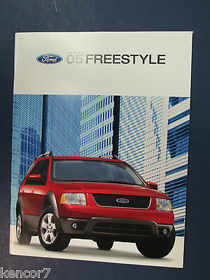 2005 Ford Freestyle Sales Brochure D8307