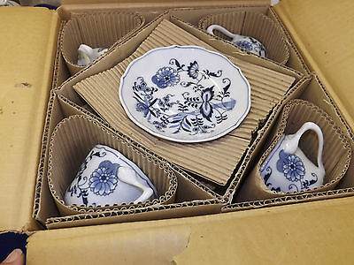 Vintage New in Box Never Used 20 pc Blue Danube Onion Dinnerware Set