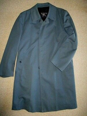 Vintage Burberrys mens coat  sz M   made in England