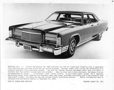 1974 Lincoln Canada Continental Town Car ORIGINAL Factory Photo oub7396