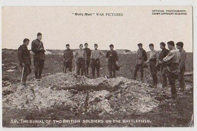 Early Postcard,Military Soldiers,Burial Of 2 British Soldiers On The Battlefield