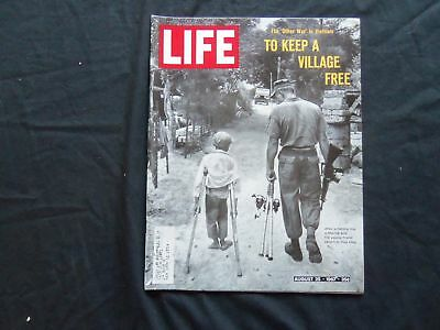 1967 August 25 Life Magazine - Marine And Young Vietnamese Friend - L 1598