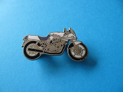 SUZUKI Motorcycle Pin badge. VGC. Enamel.
