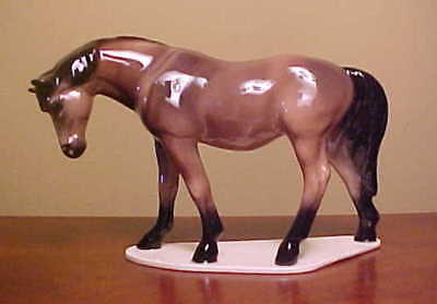 NEW COLOR #4008 Hagen-Renaker SPECIALTY MARE - Ceramic Horse Figurine