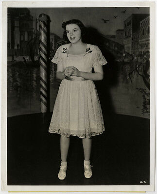 Singing Hollywood Icon Judy Garland Vintage 1941 Early Career Photograph w Snipe
