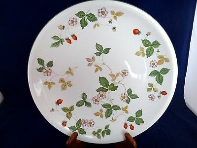 Wedgwood Wild Strawberry (Earthenware) Dinner Plate ~MINT~MULTIPLE AVAILABLE