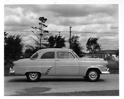 1952 Ford Meteor Canada ORIGINAL Factory Photo oub7679