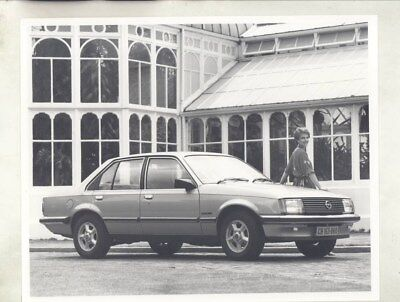 1983 Opel Rekord in South Africa ORIGINAL Factory Photograph wy5524