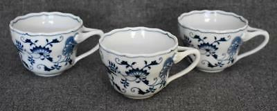 Lovely Blue Danube Blue Onion Banner Mark S/3 Over Sized Breakfast Coffee Cups