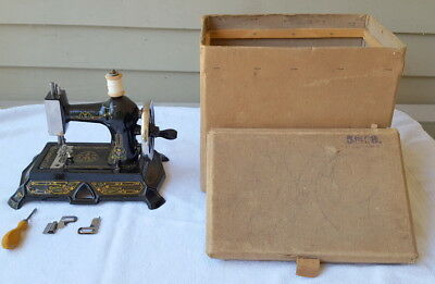 Antique Muller Child's Toy Sewing Machine Hand Crank Germany - Spectacular