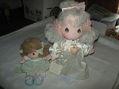 Precious Moments figure lot of 2  - 1 Musical