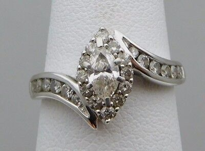 BEAUTIFUL Solid 14k White Gold / Diamonds Ladies Ring * 1.00 CT TWT * Size 7