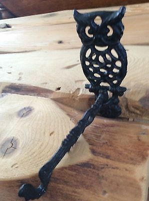Cast iron owl hanger