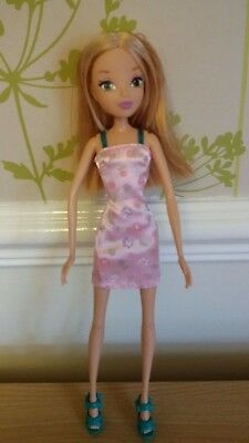 *Winx Club City Fashion Flora Doll*