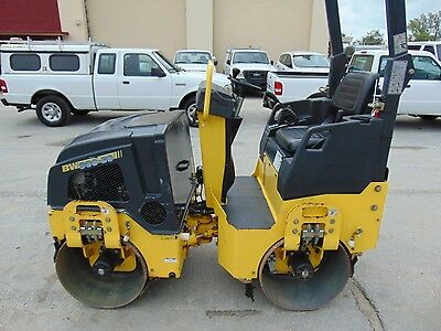 """Only 156 Hours - 2014 Bomag Bw900-50 """"vibratory"""" Tandem Drums W/ Water System"""